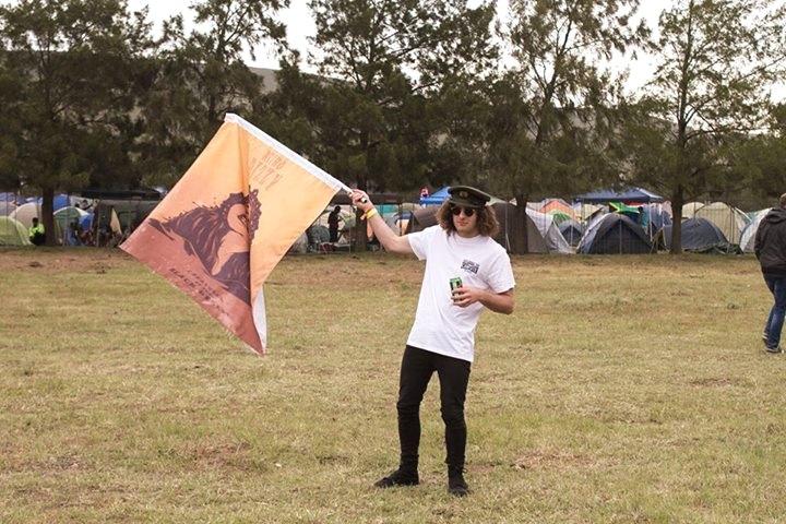 Stuart Dods - Retro Dizzy bassist with kickass flag,