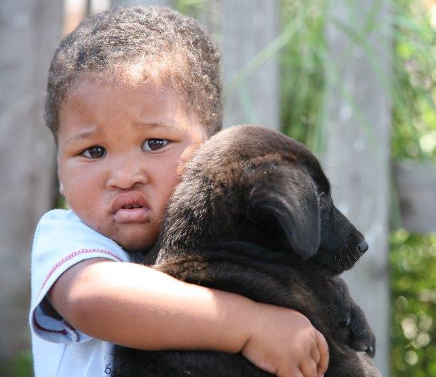 Little-boy-with-puppy