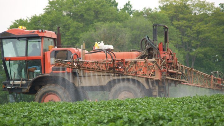 BAN all crop spraying of poisonous pesticides
